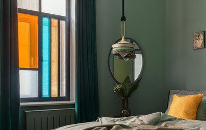 Houzz тур: Квартира для галеристки — с яркими витражами