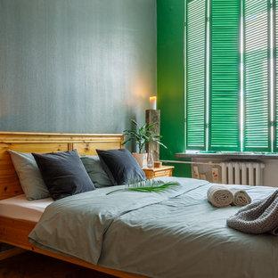 Создайте стильный интерьер: хозяйская спальня в современном стиле с зелеными стенами - последний тренд