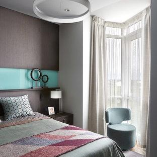 Пример оригинального дизайна интерьера: маленькая спальня в современном стиле с белыми стенами для хозяев