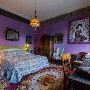 This is an example of a large victorian bedroom in Saint Petersburg.