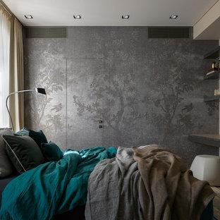 Esempio di una grande camera padronale scandinava con pareti grigie, parquet chiaro e pavimento beige