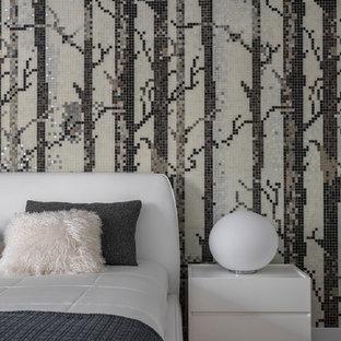 Неиссякаемый источник вдохновения для домашнего уюта: спальня в современном стиле с разноцветными стенами