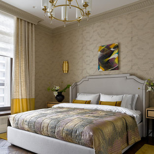 На фото: хозяйская спальня в стиле современная классика с бежевыми стенами, паркетным полом среднего тона, коричневым полом и обоями на стенах