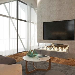 他の地域の大きいコンテンポラリースタイルのおしゃれな主寝室 (白い壁、無垢フローリング、横長型暖炉、漆喰の暖炉まわり、茶色い床) のインテリア