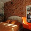 Houzz тур: Мужской интерьер с кирпичными стенами в историческом доме