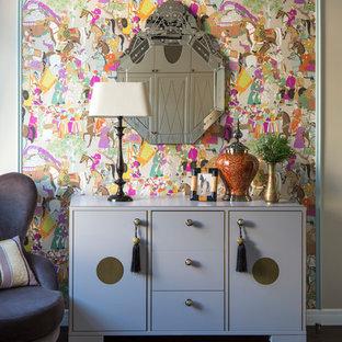 Пример оригинального дизайна: спальня среднего размера в стиле современная классика
