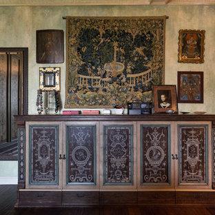 Пример оригинального дизайна: спальня в викторианском стиле