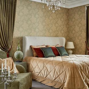 Стильный дизайн: спальня в стиле современная классика с темным паркетным полом и серым полом - последний тренд