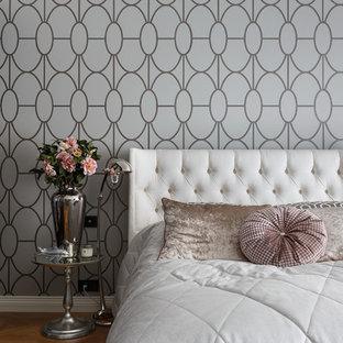 На фото: хозяйская спальня среднего размера в стиле современная классика с паркетным полом среднего тона и разноцветными стенами без камина