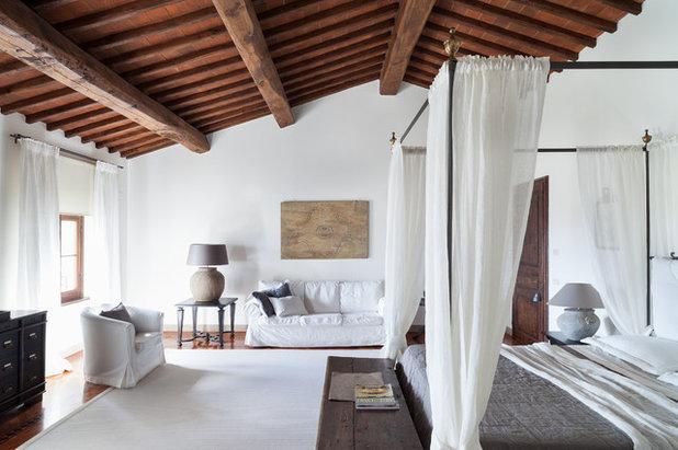 Mediterran Schlafzimmer by Архитектурная мастерская Нины Прудниковой