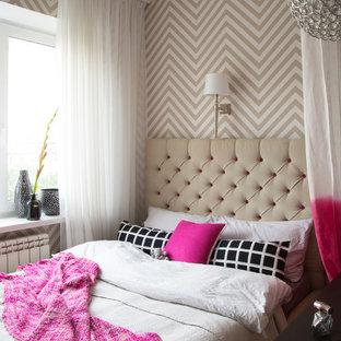 Пример оригинального дизайна: спальня в современном стиле с бежевыми стенами