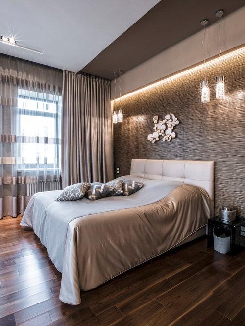 Large Trendy Master Medium Tone Wood Floor And Brown Floor Bedroom Photo In  Moscow With Beige