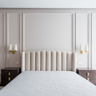 На фото: хозяйская спальня среднего размера в современном стиле с белыми стенами, паркетным полом среднего тона и коричневым полом без камина с