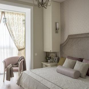 На фото: спальня в стиле современная классика с бежевыми стенами и бежевым полом