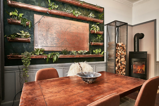 Contemporary Dining Room by Fotograf Camilla Ropers