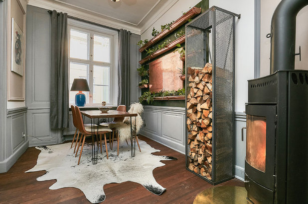 Eclectic Dining Room by Fotograf Camilla Ropers