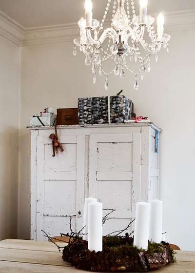 Shabby-chic Style Dining Room by Mia Mortensen Photography