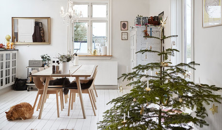 My Houzz: A Scandi-chic Home Simply Decorated for Christmas