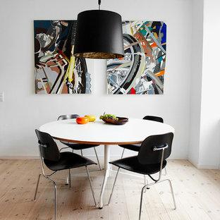 Interior - Eames bordstel med speciallavet bordplade - formica på krydsfiner