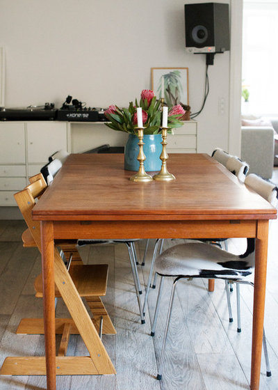 Midcentury Dining Room by Sofie Barfoed