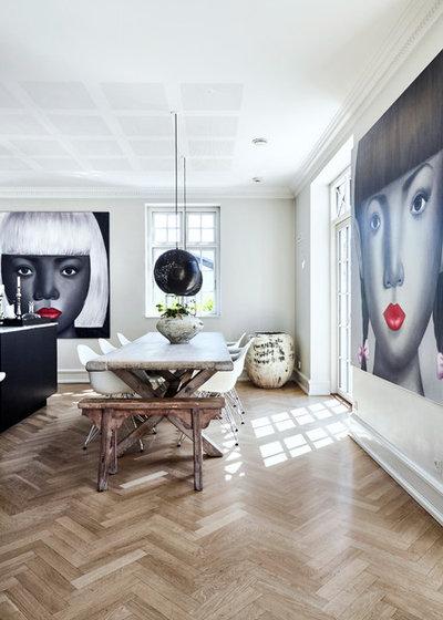 Eclectic Dining Room by Fotograf & boligstylist stylist Lene Samsø