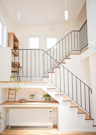 コンテンポラリー 階段 by ハイランド ホーム デザイン