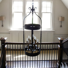Traditional Staircase by Tuckahoe Creek Construction, Inc.