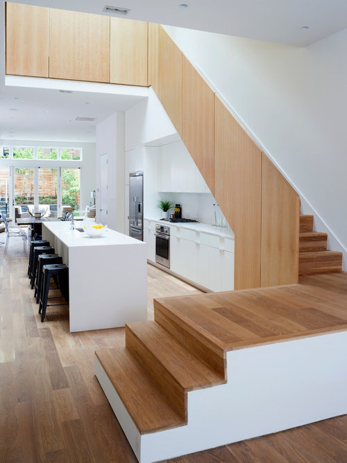 Kitchen under stair home design ideas renovations photos for Kitchen designs under stairs