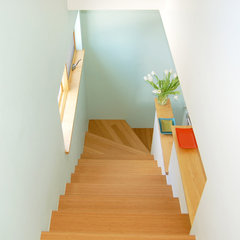 modern staircase by Larson Shores Architects