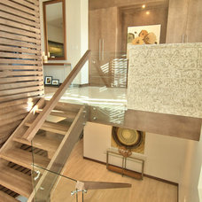 Contemporary Staircase by Maric Homes