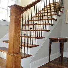 Staircase by Custom Railz & Stairz Inc.