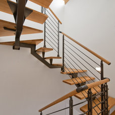 Contemporary Staircase by TURETT COLLABORATIVE ARCHITECTS