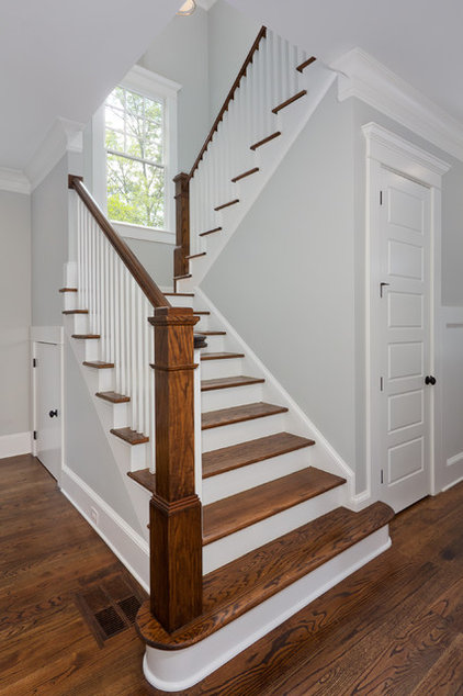 Traditional Staircase by Thrive Homes, LLC