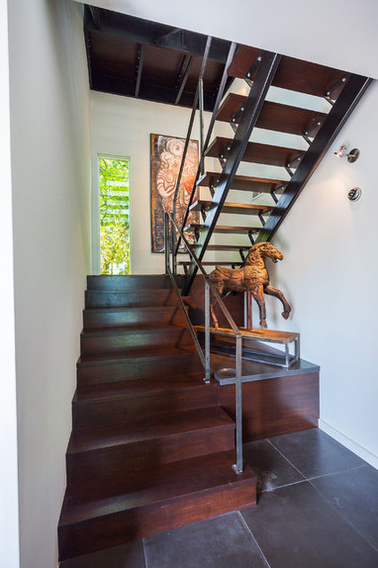 Contemporary Staircase by TaC studios, architects
