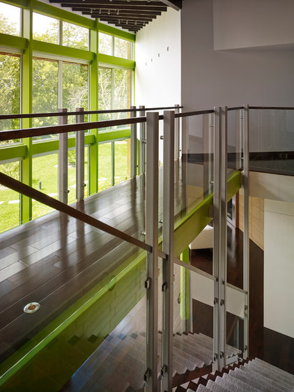 Contemporary Staircase by Thomas Roszak Architecture, LLC