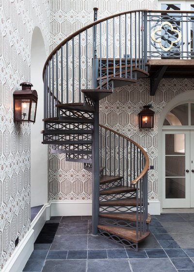 Traditional Staircase by Gibbon Lawson McKee Ltd.