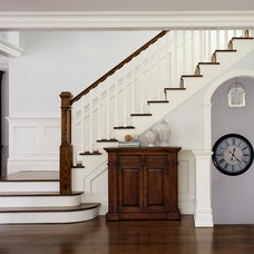 Traditional Staircase by DeGraw & DeHaan Architects