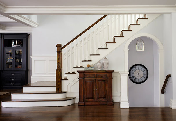 Traditional staircase by degraw dehaan architects