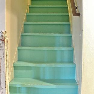 シアトルのカントリー風おしゃれな階段の写真
