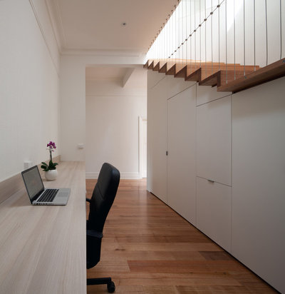 Contemporary Staircase by Chan Architecture Pty Ltd