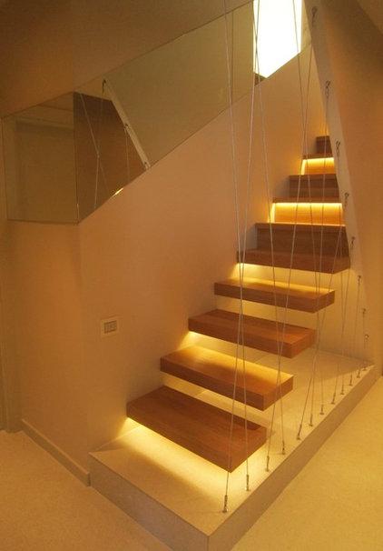 Modern Staircase by Neslihan Pekcan/Pebbledesign