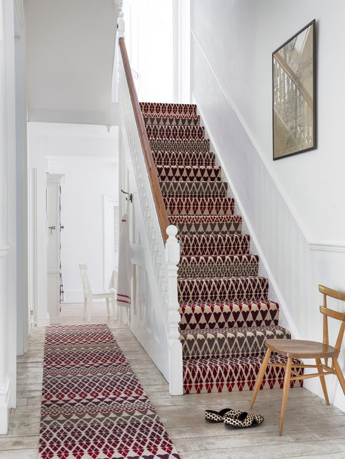 Wonderful Elegant Carpeted Straight Staircase Photo In Hampshire