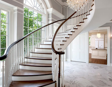 An Elegant Entry for a Midwestern Heirloom House