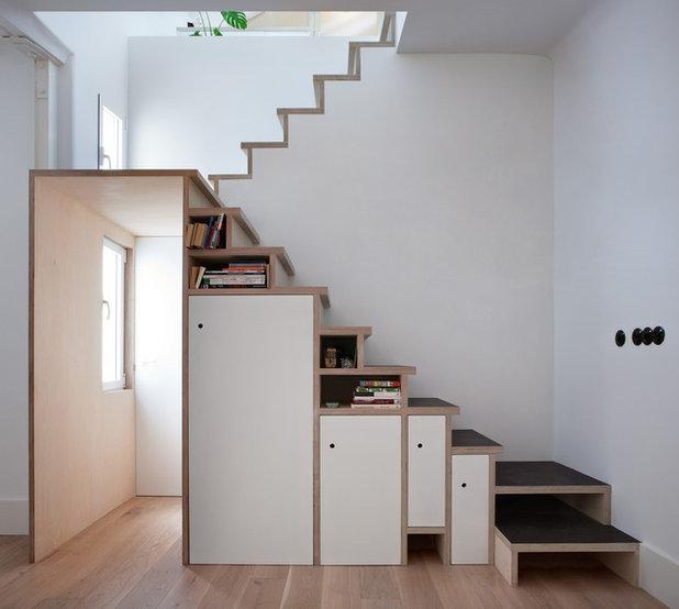 C mo aprovechar la escalera y ganar espacio de almacenaje for Casas para almacenaje