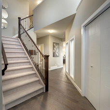 Transitional Staircase by Look Master Builder