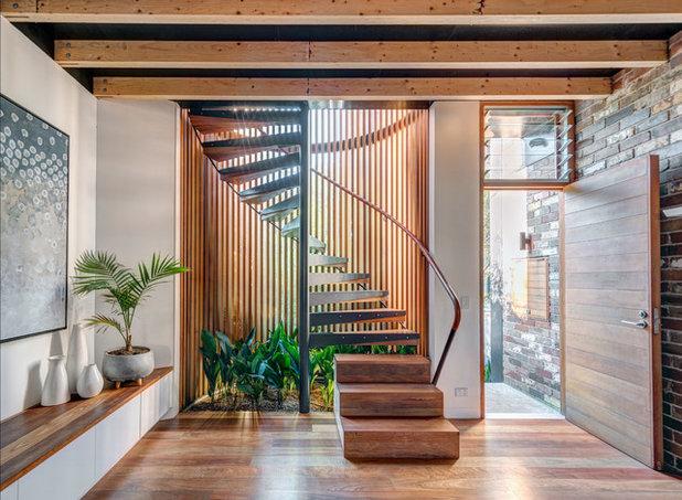 インダストリアル 階段 by CplusC Architectural Workshop