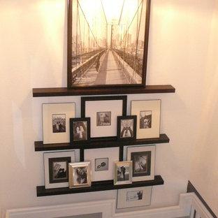 Cette image montre un escalier bohème.