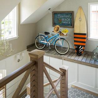 Foto de escalera en U, marinera, grande, con escalones de madera y contrahuellas de madera