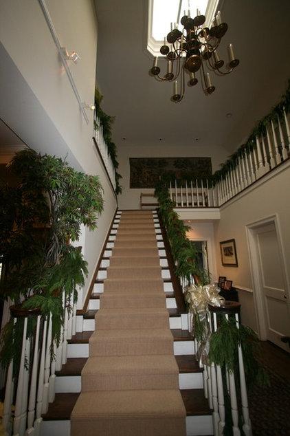 Traditional Staircase Atherton Holiday House Tour