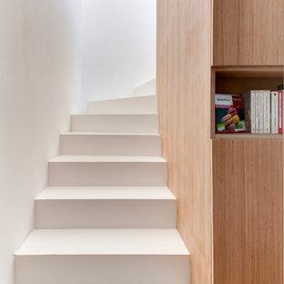 Foto på en stor funkis trappa
